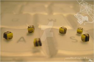 smallest cubed bee by asuka-sakumo