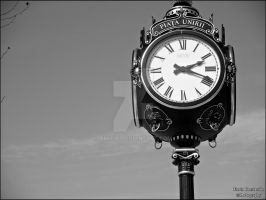 Clock in the city... by TR4F1C