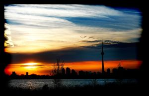 Sunset in Toronto 3 by pueang