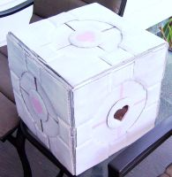 Companion Cube by Illeander