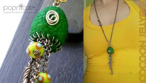 FunkyCocoon Jellyfish Necklace by popnicute