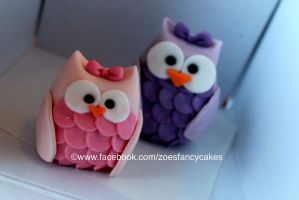 Mini fondant owls by zoesfancycakes