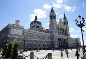 Santa Maria la Real de La Almudena by longlivelol