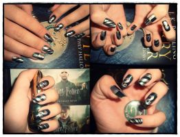 Slytherin nail art by Niquesse