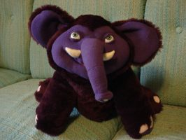 Leeroy the purple elephant by BellaSofran