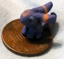 Itty-bitty Umbreon by NamelessOkami