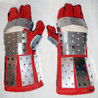 Iron Plate Gloves by ComX-1