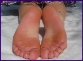 Soft Soles CloseUp Outdoor by SelfshotYourFeet