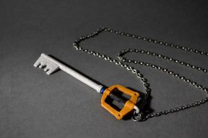 Kingdom Hearts Keyblade Pendant Keychain by sorhainSlave