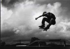skate in the air by florenzoo