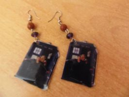 Rose and Ninth doctor earrings by onlyhalfitalian