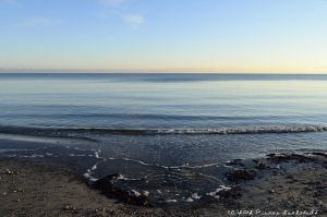 Peacefull sea at a cold Decemberday! by secludedspace