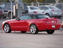2006 Ford Mustang GT - Red by Qphacs