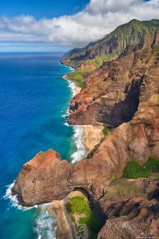 Na Pali Vertical by AndrewShoemaker