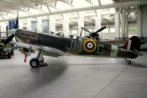 battle of britain mk5 spit by Sceptre63