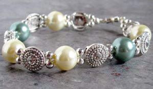 Crystal Pearl Bracelet by lauriescustomcreate