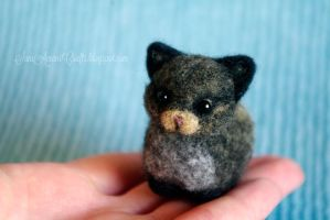 Needle felted black kitten by SaniAmaniCrafts