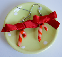 candycane earrings with a bow by kittykaya