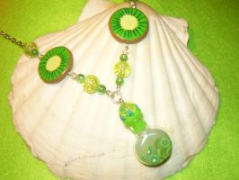 Kiwi Splash - fruity Necklace by Ganjamira