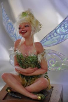 Tinkerbell laughing by SutherlandArt
