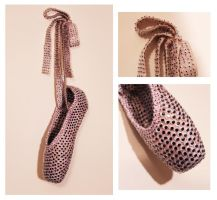 Covering2 - Pointe Shoe by MaboroshiTira