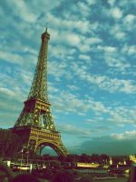 Eiffel Tower by thorneater
