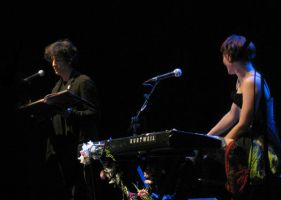 Neil Gaiman and Amanda Palmer by drwhofreak
