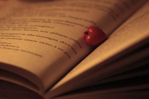 I found love only in books by MoonlessNightGirl