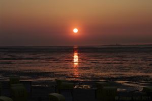 Sunset in Cuxhaven by friedapi