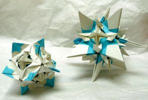 Origami snowstars, pic 1 by wombat1138