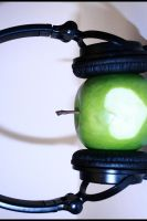 Apples love Music... by 21h00