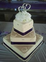 Wedding Cake for McCool-Mitchell party by fallenangelic