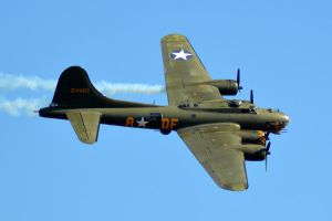 B-17 Flying Fortress (5) by masimage
