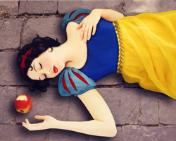 Snow White by Dintykins