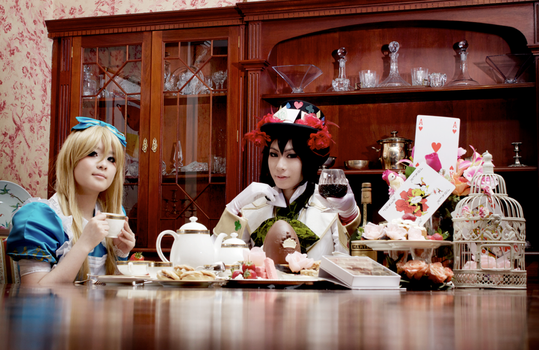 Cosplay: Alice and the Hatter by gomimushi