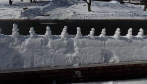 March of the Snowball Snowmen by BakaTheIdiot