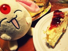 Mokona likes cheesecake by NamiWalker
