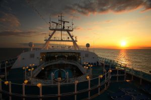 Cruise Sunset - I by froggynaan