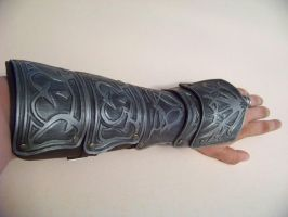 Assassins Creed vambrace by MerrillsLeather