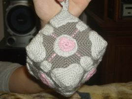 Hanging Companion Cube by LeChatGris1987