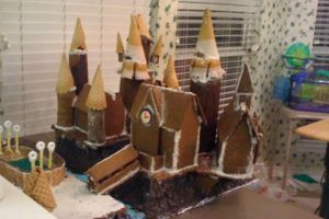 Hogwarts gingerbread castle by dancecat3