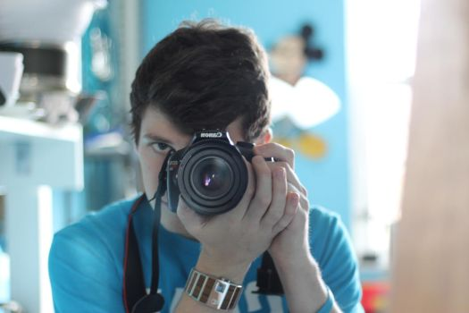 Canon EF 1:1.8 50mm lens test run by SwankyOtter