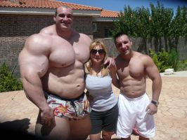 When your husband's friend is a huge bodybuilder by Setpoirot