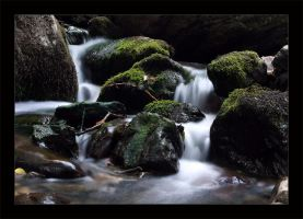 Waterfall II by qrpw