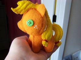 young Applejack filly  plushie by haiban
