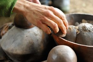 Pottery cooked in a paper furnace by MissUmlaut