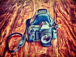 Old Canon T70 II by schlafengehen