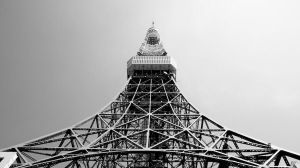 Tokyo Tower by Navvyblue
