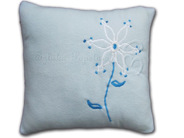 Snowdrop pillow by SztukaPopelniona