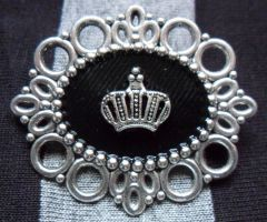 Little crown pin by TheLovelyBoutique
